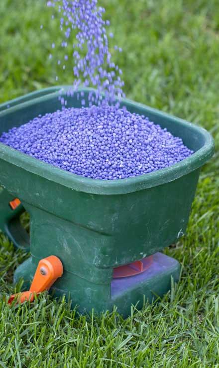 Alabama Greenscapes, LLC  Lawn Fertilization